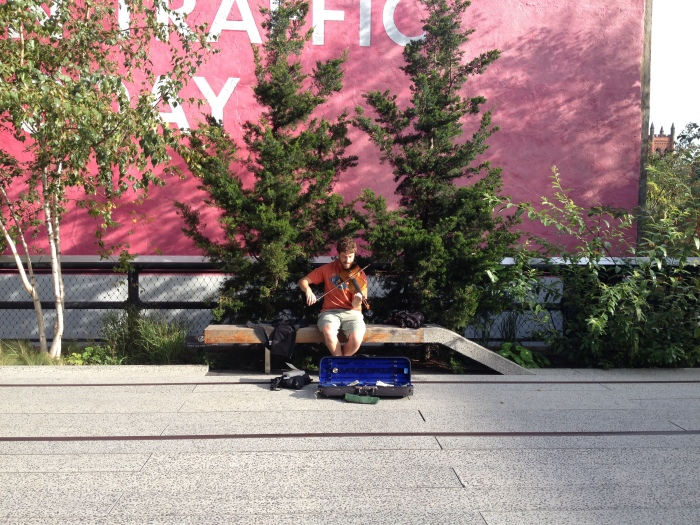 Fiddle player High line